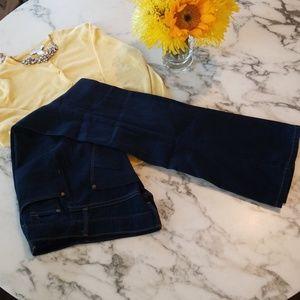 James Jeans, blue jeans, sz 28